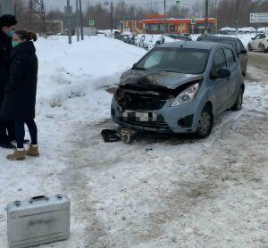 У автозаправки в Казани сгорела малолитражка