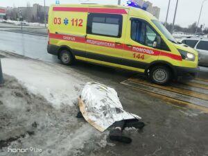 В Челнах мужчина умер, не дойдя несколько метров до пешеходного перехода