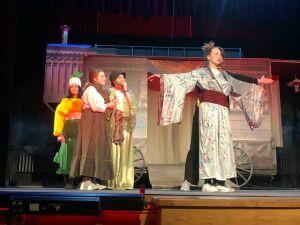 Юные бугульминцы создали китайскую мелодраму на основе сказки «Репка»