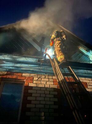 Пожилые супруги получили серьезные ожоги, пытаясь потушить пожар в доме в РТ