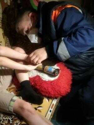 В Казани спасатели помогли мальчику вытащить застрявший палец из игрушки