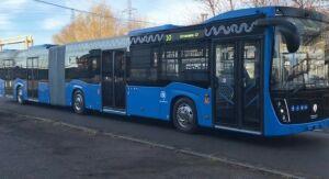 КАМАЗ тестирует в Москве автобус-гармошку