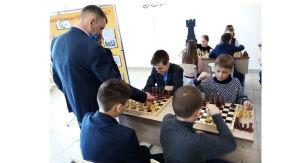 В Тетюшской школе № 1 состоялось открытие игровой шахматной зоны