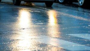 МЧС напомнило жителям РТ о мерах безопасности в условиях метели и гололеда