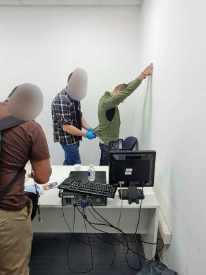Экстрадировали в Россию колумбийца, укравшего в Казани чемодан с драгоценностями