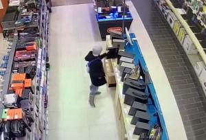 Задержали казанца, который шесть раз ограбил один и тот же магазин техники