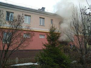 Двоих человек спасли из дома в Альметьевске, в подвале которого случился пожар