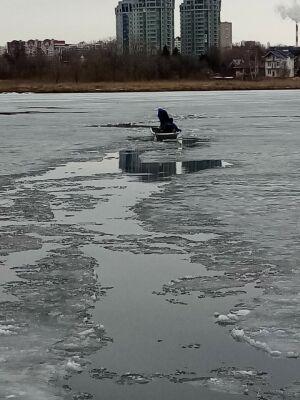 В Казани на озере Кабан под лед провалился и утонул рыбак