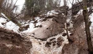 Нижнекамские ученики обнаружили водопад, который живет несколько дней в году