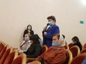 Участники праймериз «ЕР» обсудили с пестречинцами проблемы села и трудоустройства