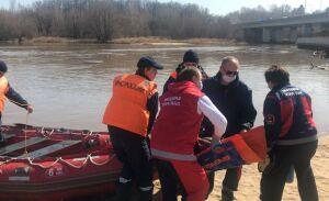 Спасти рыбаков и жителей сел: МЧС совершенствовали навыки устранения паводка