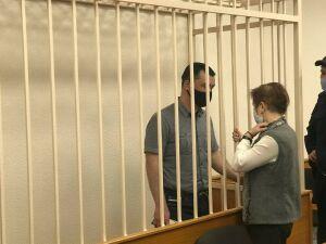 Передавал телефоны за деньги: в Казани за взятки судят экс-начальника колонии №5