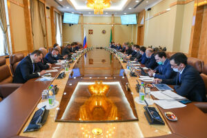 Минниханов и Бокарев обсудили проект беспилотного движения в метро Казани