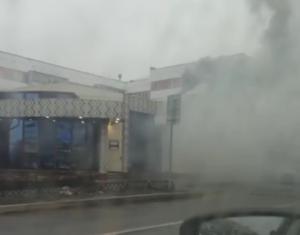 В челнинском кафе загорелась крыша, всех посетителей вывели на улицу