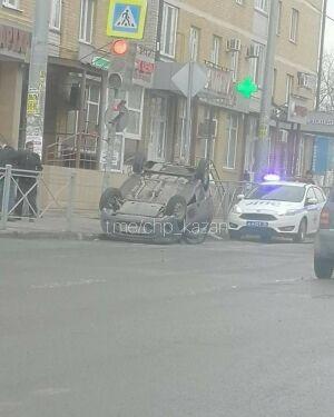 Пассажирку легковушки едва не задушило ремнем во время столкновения с другим авто