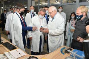 Минниханов ознакомился с работой приборостроительной компании в Перми