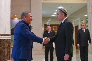 Грузовики, вертолеты, нефть: о чем Минниханов вел переговоры в Туркменистане