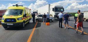 Двоих человек зажало в авто после ДТП с фурой на трассе в Татарстане, один из них погиб