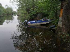 У поселка Васильево ищут пожилого мужчину, чью лодку обнаружили у берега