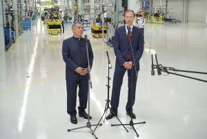 Путин, Минниханов и Мантуров запустили производство Aurus в Елабуге
