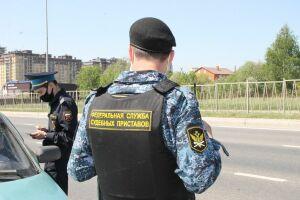 За день в Казани приставы взыскали свыше 800 тыс. рублей долгов по налогам и штрафам