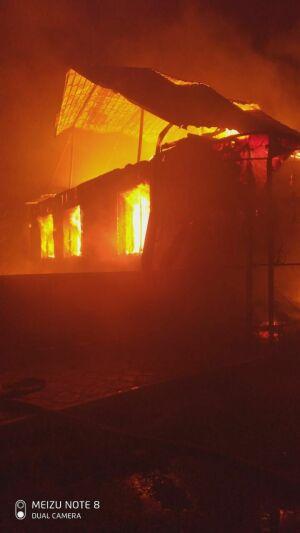 Женщина погибла, мужчина с ребенком пострадали на пожаре в РТ