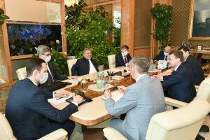 Минниханов обсудил вопросы сотрудничества с министром по развитию Дальнего Востока