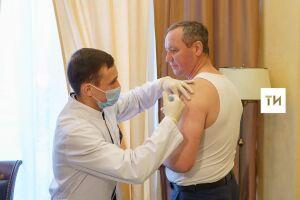 Глава «Татмедиа» Айдар Салимгараев привился от коронавируса