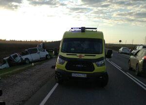 Микроавтобус и грузовик столкнулись на трассе в Татарстане, пять человек погибли