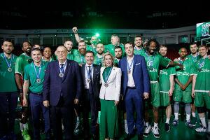 Баскетбольный клуб УНИКС закрыл юбилейный сезон шампанским и медалями