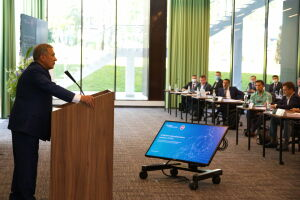Минниханов принял участие в защите проектов программы «Цифровая трансформация»