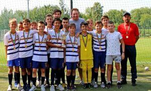 Кварацхелия и Слуцкий наградили победителей турнира «Кожаный мяч» в Казани