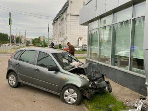 В больнице скончался мужчина, которого сбил автомобиль на Бондаренко в Казани