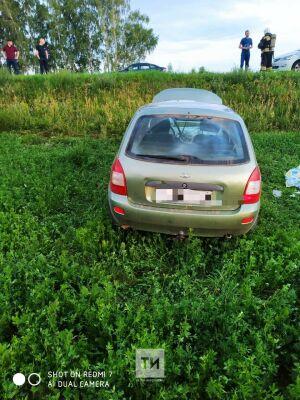 В Тюлячинском районе в кювет вылетела и перевернулась «Лада», водитель погиб