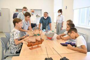 Рустам Минниханов осмотрел Центр детского творчества «Киләчәк» в Нурлате