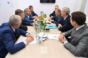 Минниханов предложил авиаперевозчику «Волга-Днепр» провести конференцию в Казани