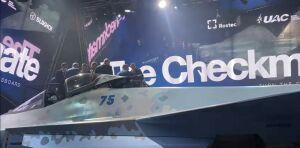 Минниханов осмотрел новейший российский истребитель на авиасалоне МАКС-2021