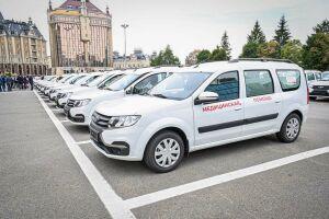 Алексей Песошин вручил районным больницам Татарстана 70 новых автомобилей