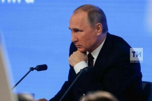 Владимир Путин ушел на вынужденную самоизоляцию