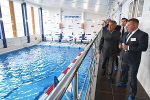Минниханов посетил капитально отремонтированный бассейн «Дулкын» в Набережных Челнах