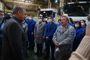 Минниханов встретился с рабочими КАМАЗа