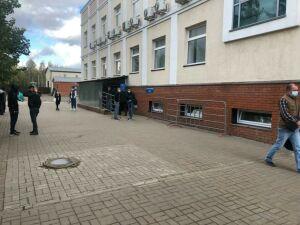 МВД: Очереди мигрантов у здания ОВМ в Казани уже нет