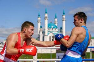 В Казани около 500 спортсменов отметили День бокса открытой тренировкой