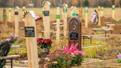 Умирают целыми семьями: кого и как хоронят на кладбищах Казани в пандемию коронавируса