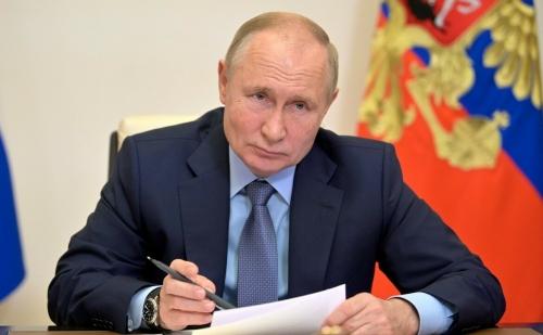«Приукрашивать картину в этой ситуации опасно»: Путин одобрил нерабочую неделю в России