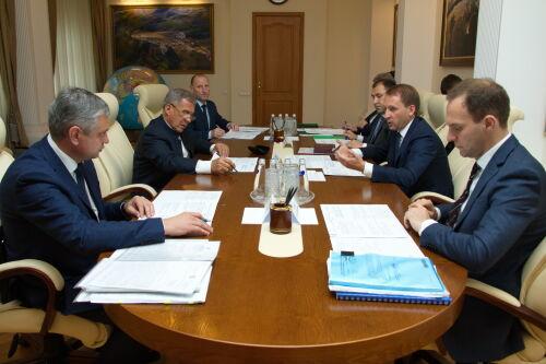 Минниханов обсудил с главой Минприроды РФ оздоровление Волги и очистные сооружения Казани