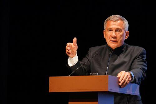 Рустам Минниханов: «Перепись населения, сколько будет татар — все эти вопросы волнуют»