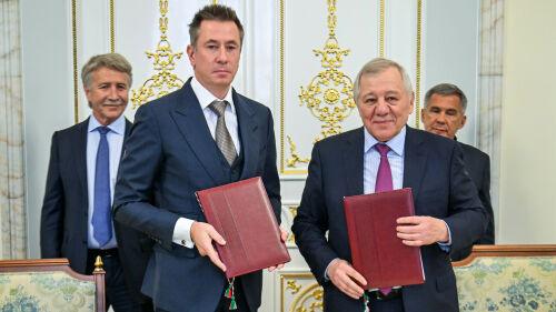 Историческая сделка: СИБУР приобретает ТАИФ за 15% своих акций и 3 млрд долларов