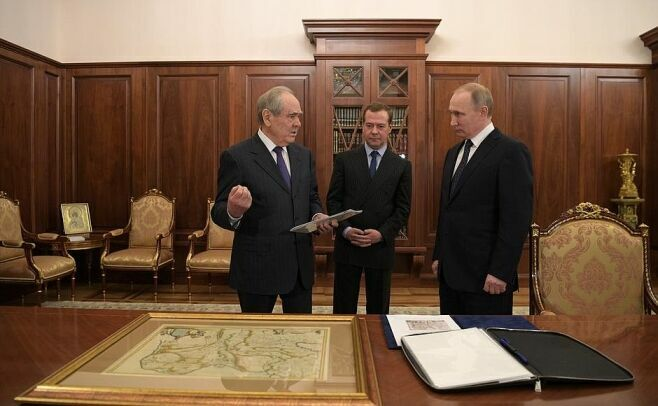 Путин и Медведев поздравили первого Президента Татарстана с юбилеем