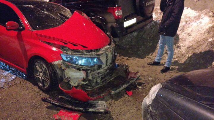 Появились подробности аварии в Зеленодольском районе, в которой водителя зажало в салоне